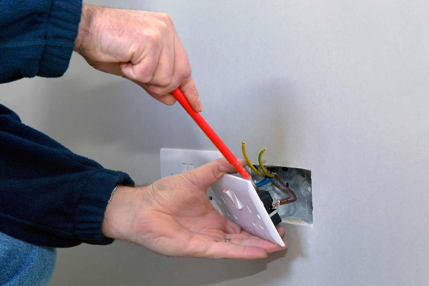 Our electricians can install plug sockets for domestic and commercial proeprties in South Lambeth and the local area.